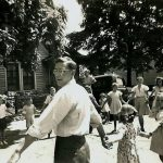 Paul T. Yoder with children at Knoxville Mennonite Mission, Tenn., late 1940s (Conrad Baer photo)