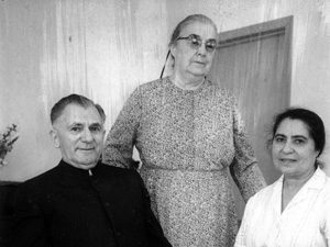 Lewis and Cora Martin (left) with Franca Ceraulo, the first Mennonite baptized in Palermo, Sicily. Photo: VMC Archives